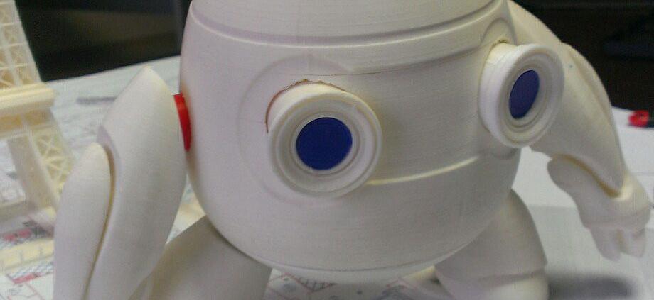 робот напечатанный на 3д принтере